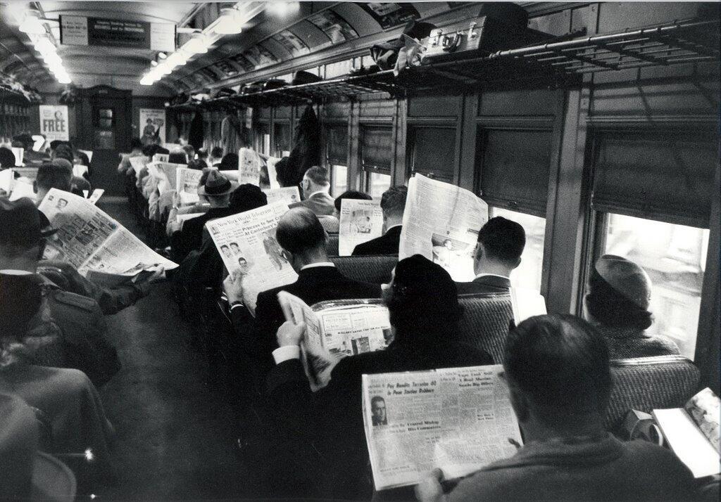 newspapers-bus